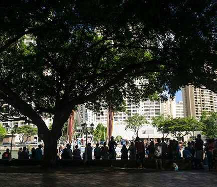People patiently continually waited in line throughout three days to step onto the Hokule'a