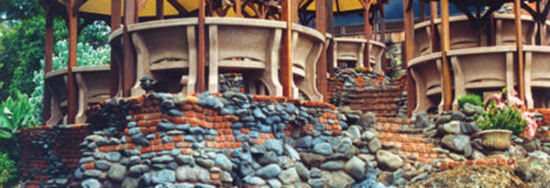 Kula Lodge & Restaurant